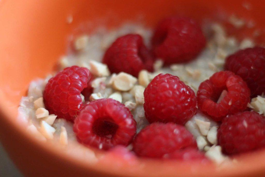 Haferflocken-Porridge – das perfekte warme Frühstück-1
