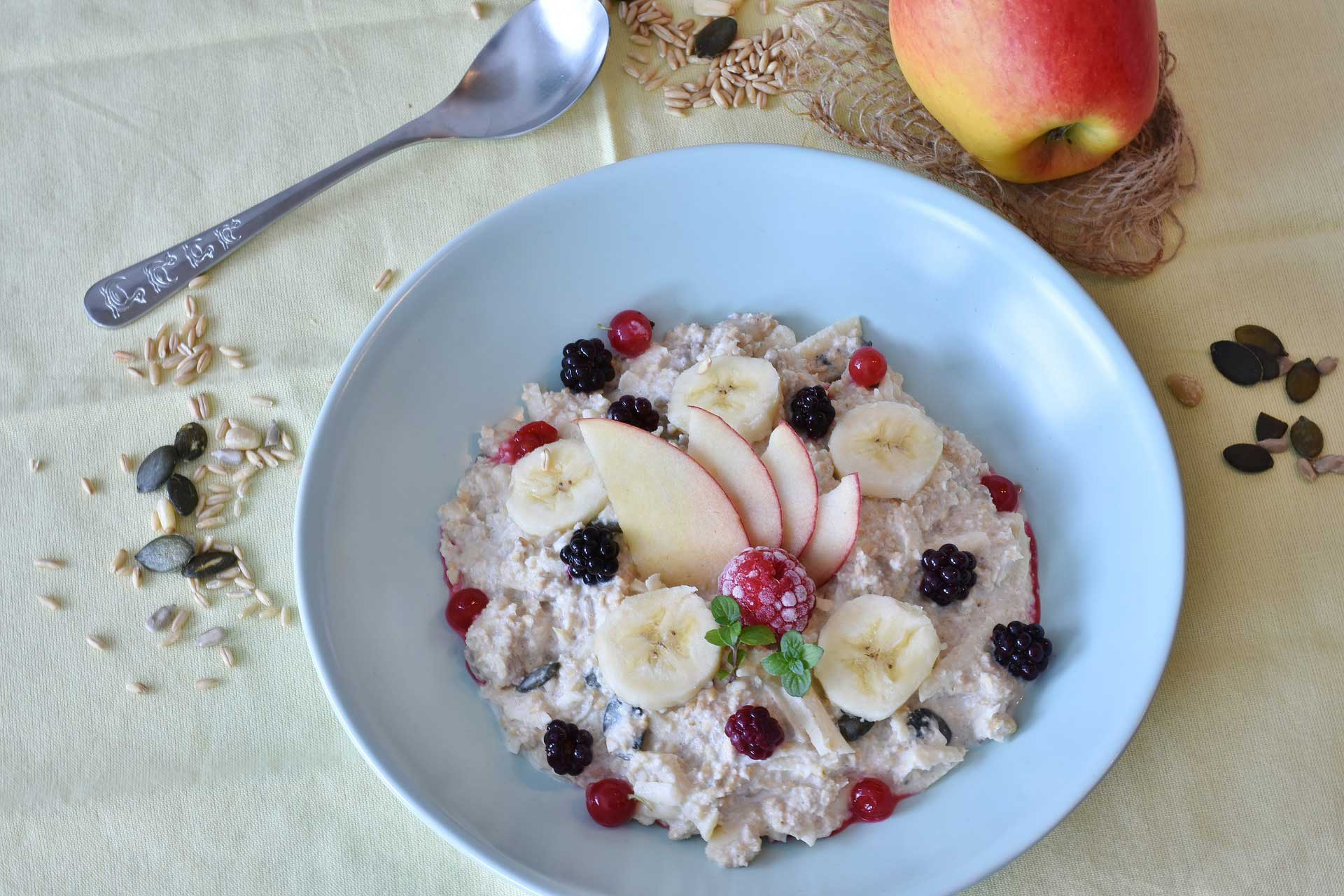Haferflocken-Porridge – das perfekte warme Frühstück 2
